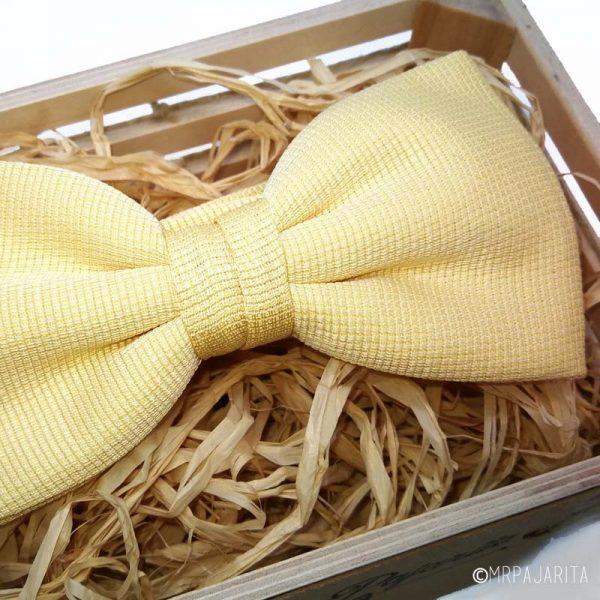 Pajarita amarillo claro