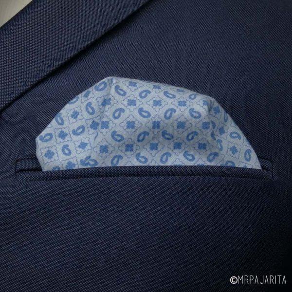 Pañuelo azul cielo paisley