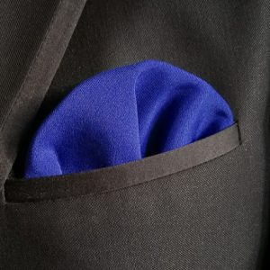 Pañuelo azul Klein