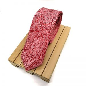 Corbata roja paisley