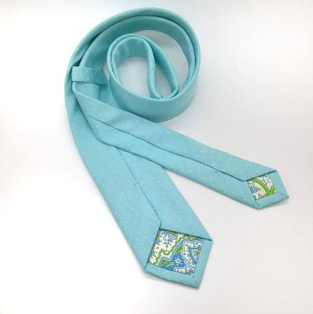 Corbata verde agua