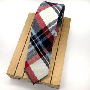 Corbata de cuadros azul y rojo