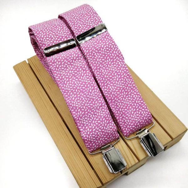 Conjunto de tirantes y pajarita rosa hojas