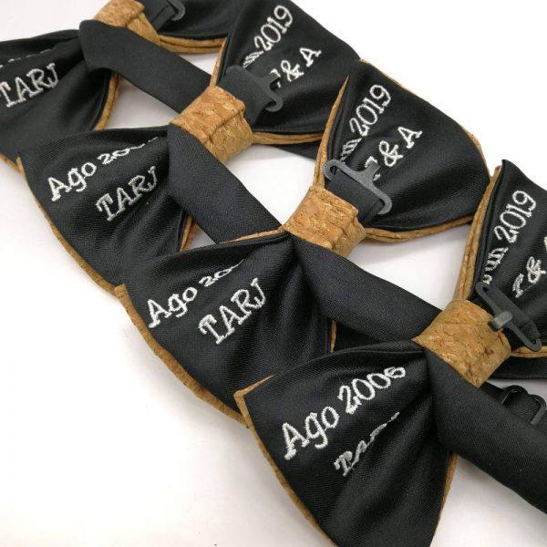 Pajarita personalizada con bordado