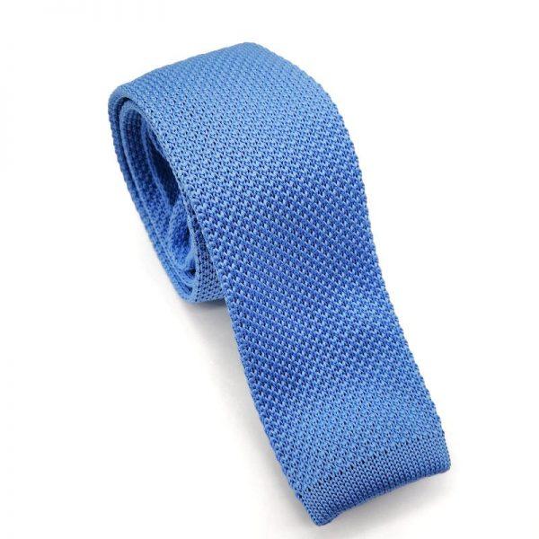 Corbata de punto azul claro