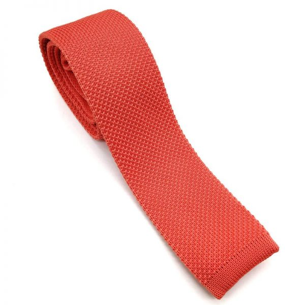 Corbata de punto coral anaranjado