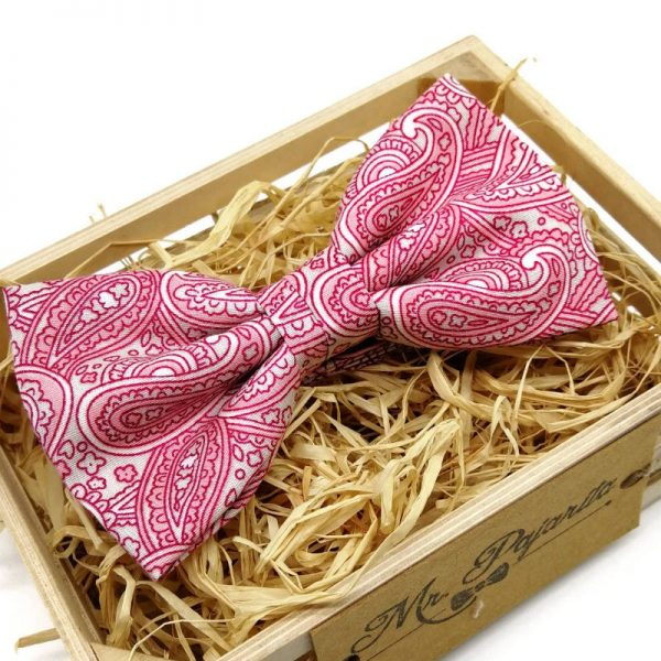 Conjunto de tirantes y pajarita rosa paisley